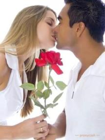 kissing-with-rose